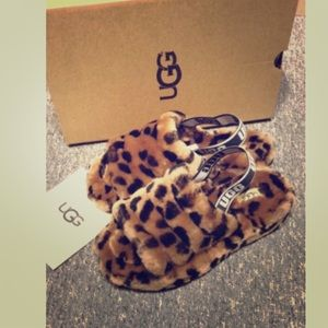 Slippers Leopard .Uggss